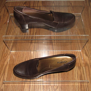 TROTTERS Brown Slip-on Heels Pumps Shoes Size 9M